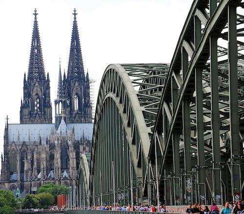 Gratis stockfoto met architectuur, attractie, bouw, brug