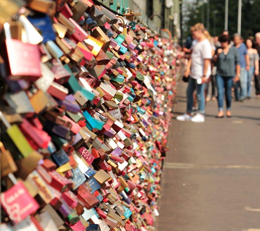 cadenas, cadenas d'amour, gens