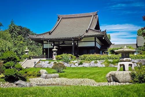 Ilmainen kuvapankkikuva tunnisteilla Aasia, arkkitehtuuri, ekō kotiin, hoidettu nurmikko