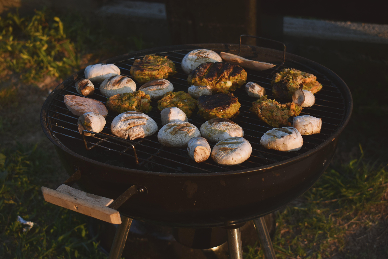 Foto stok gratis alat barbecue, api, arang, daging