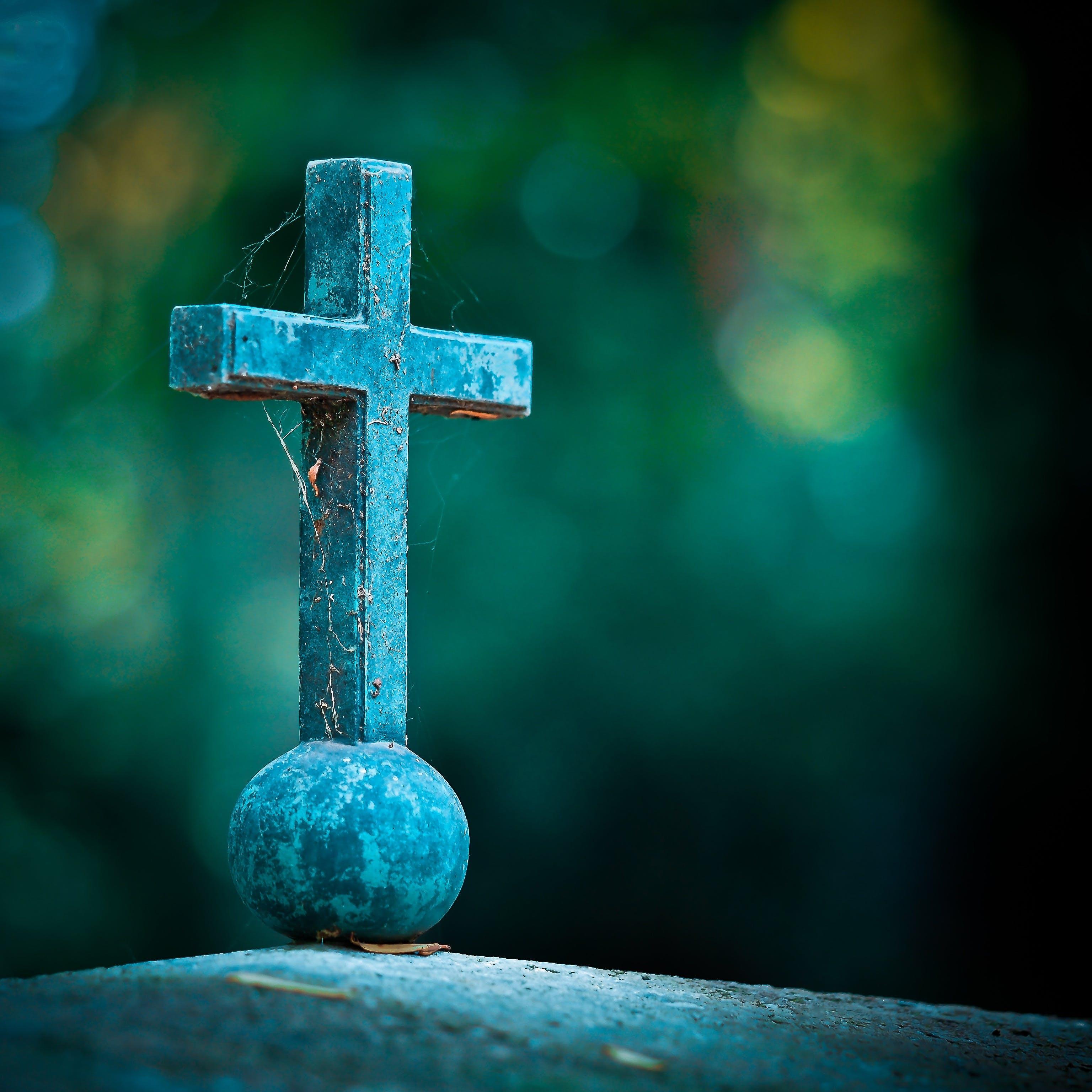 Kostenloses Stock Foto zu verschwimmen, kreuz, religion, fokus
