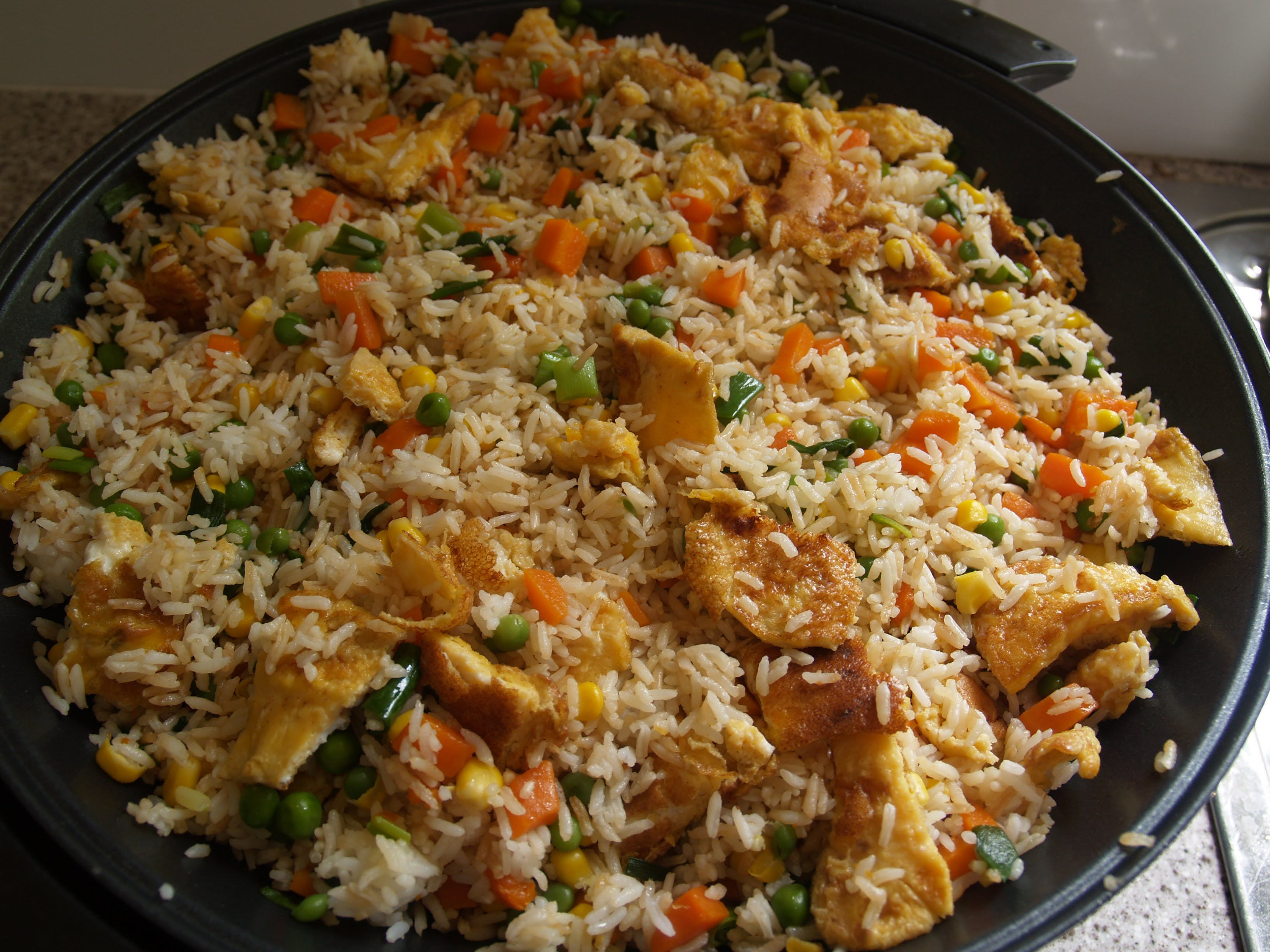 Free stock photo of Fried rice, omelette, peas and corn, diced carrot