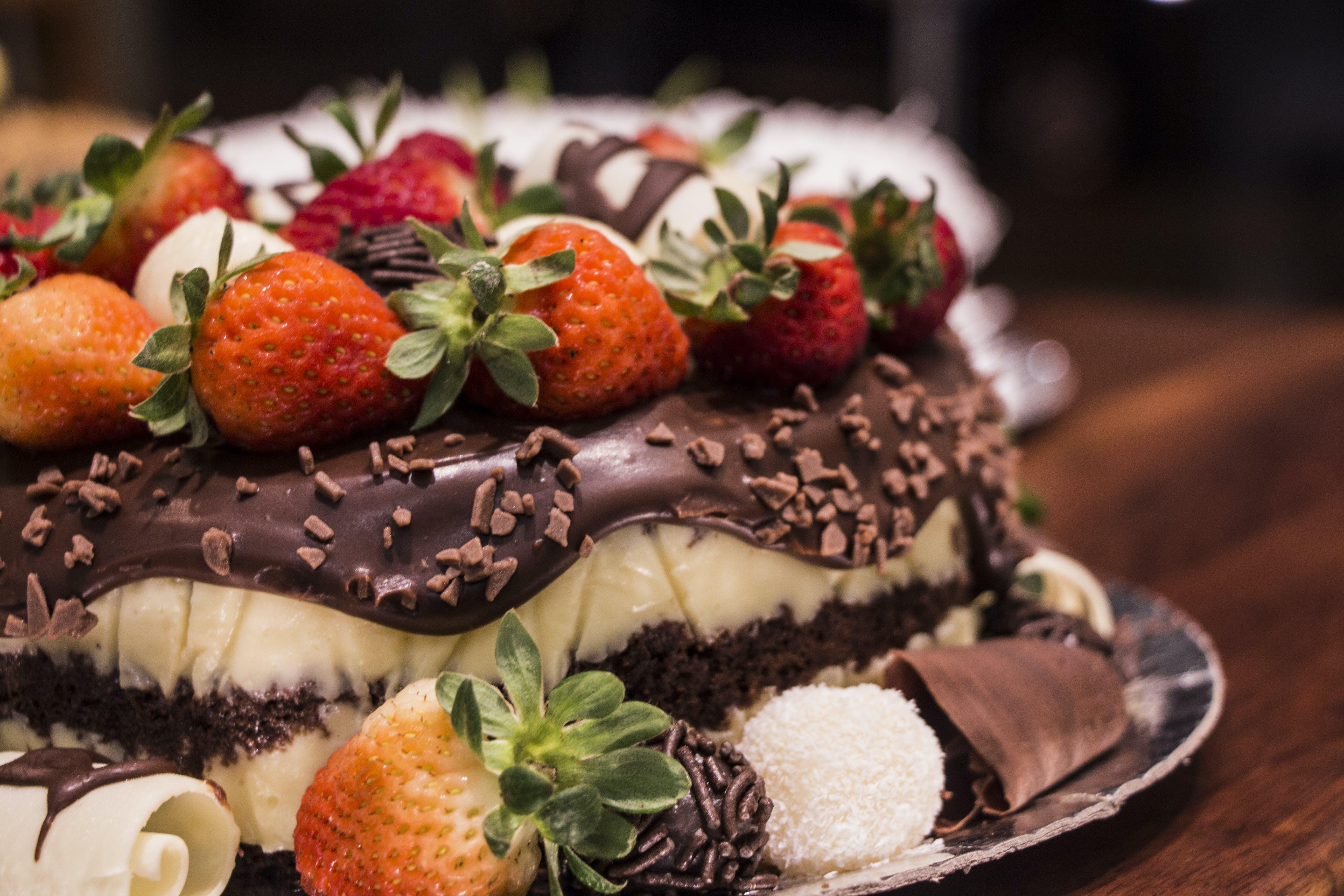 Kostenloses Stock Foto zu cremig, erdbeere, erdbeeren, geburtstagskuchen