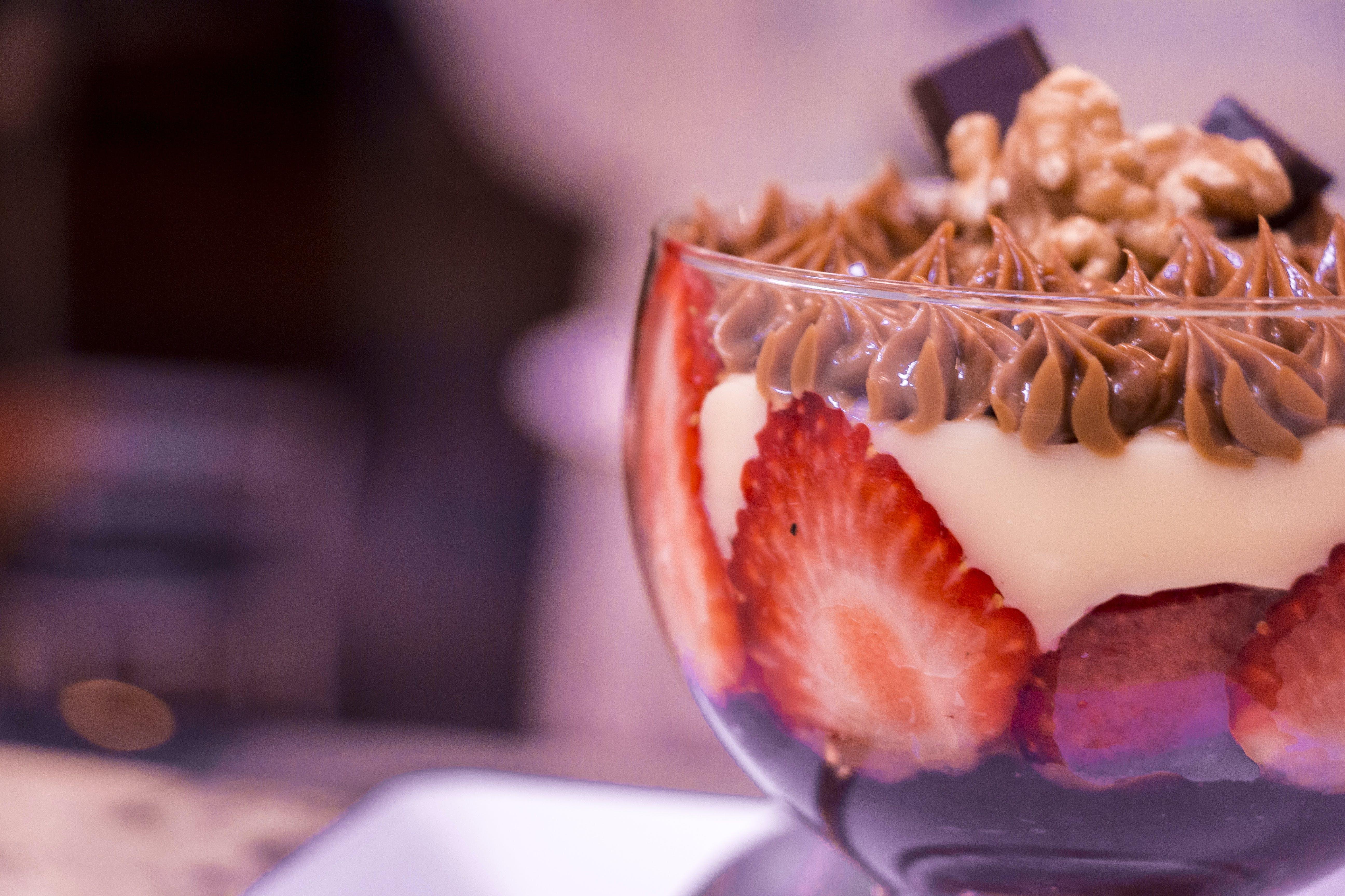 Kostenloses Stock Foto zu erdbeere, erdbeeren, köstlich, schokolade
