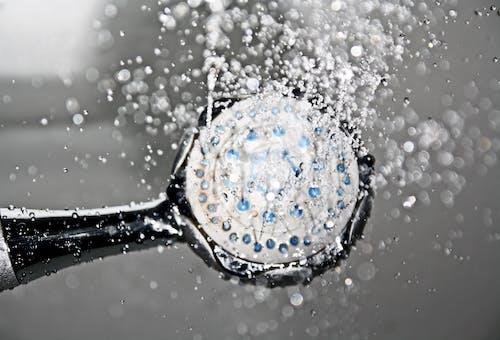 Foto stok gratis air, basah, bening, bidikan sudut sempit