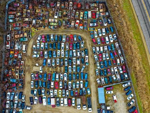 Gratis arkivbilde med biler, bilkirkegård, dronebilde, dronefotografi