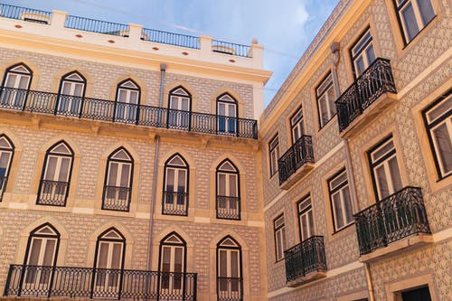 Бесплатное стоковое фото с архитектура, балконы, здание, Лиссабон