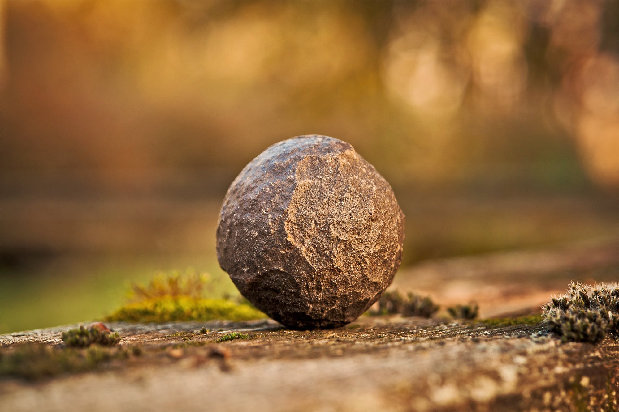 Tilt Shift Lens Photography of Stone