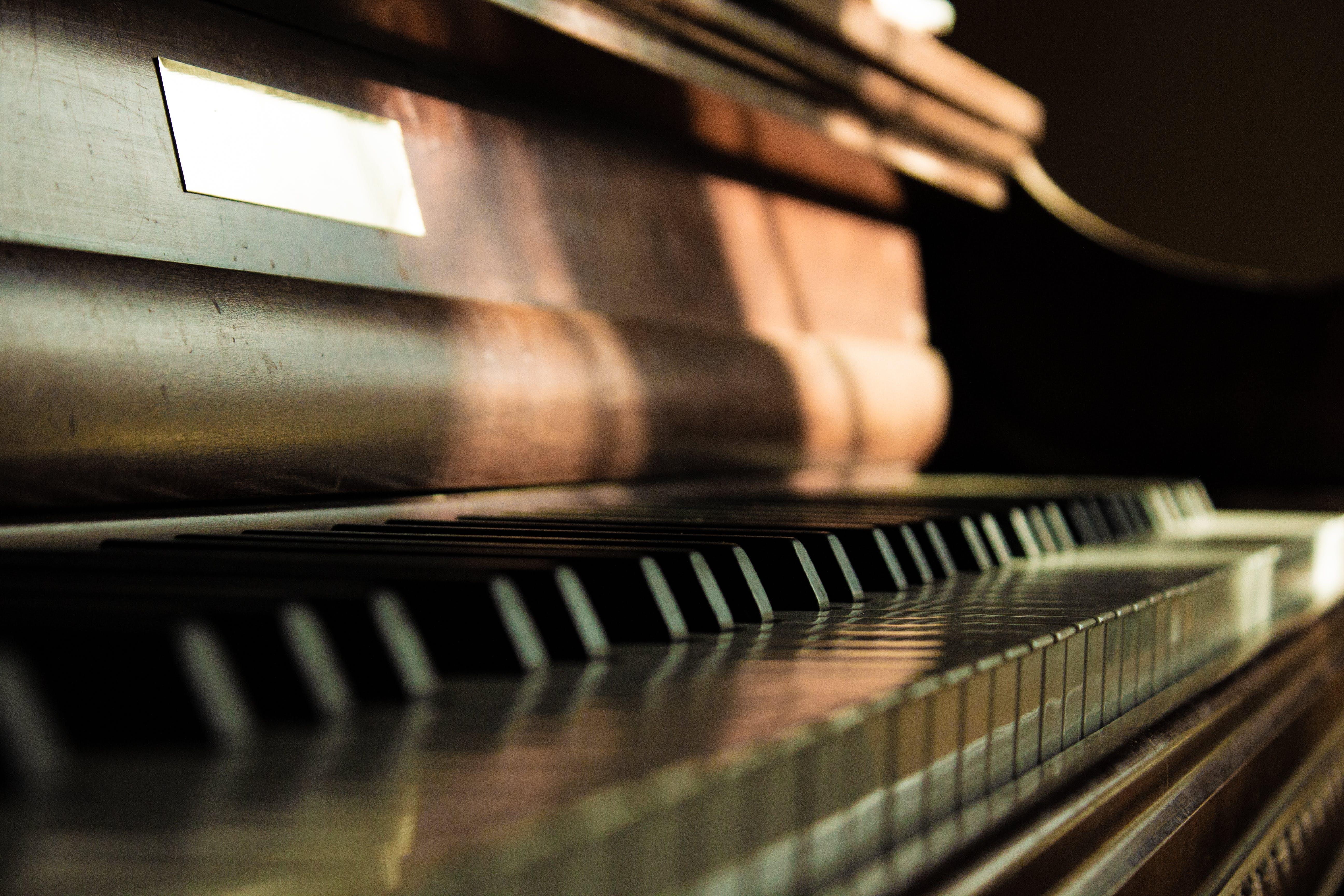 Základová fotografie zdarma na téma hudba, klávesy piana, klavír, nástroje