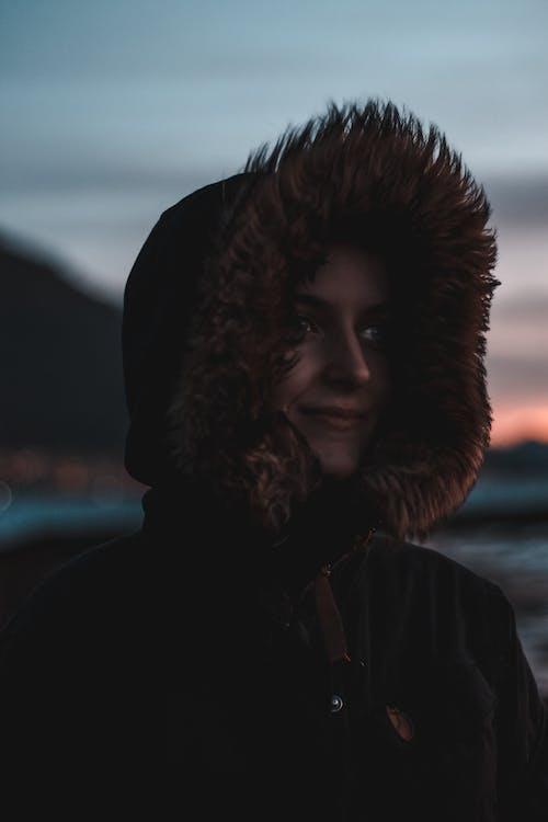 Základová fotografie zdarma na téma bunda, hezký, krásný, mikina skapucí