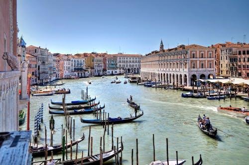 Kostnadsfri bild av arkitektur, båt, båtar, bro