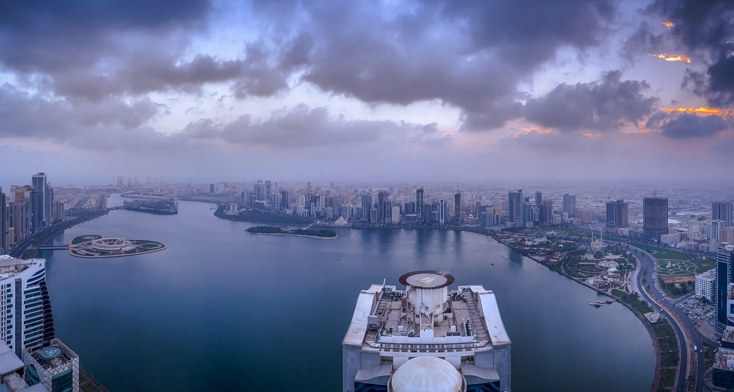 Gratis stockfoto met bird's eye view, gebouwen, h2o, luchtfoto