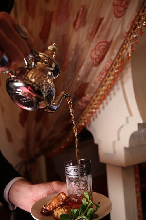 Imagine de stoc gratuită din ceainic, draperie, farfurie, în interior