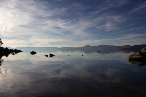 Photos gratuites de ciel, eau, reflet, soir