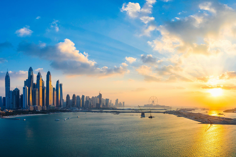 Darmowe zdjęcie z galerii z architektura, budynki, błękitne niebo, chmury