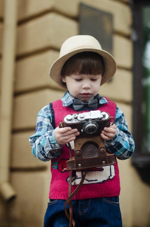 Δωρεάν στοκ φωτογραφιών με αγόρι, γιός, γλυκούλι, κάμερα