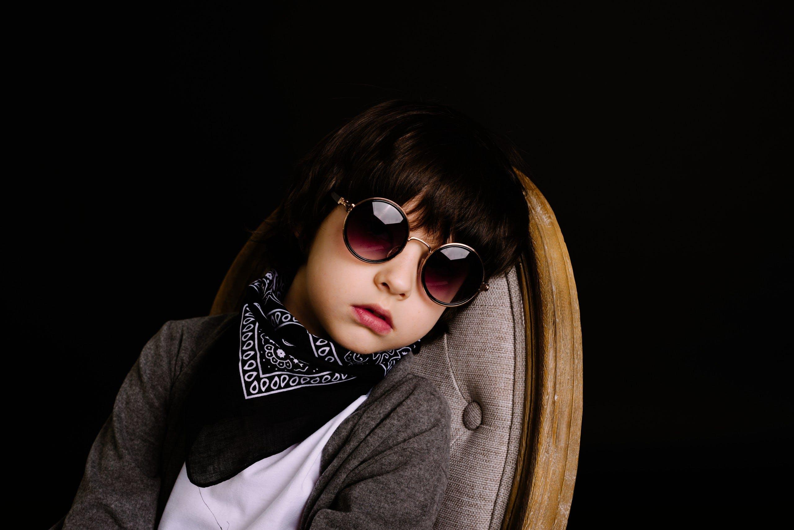 キッド, クール, サングラス, スカーフの無料の写真素材