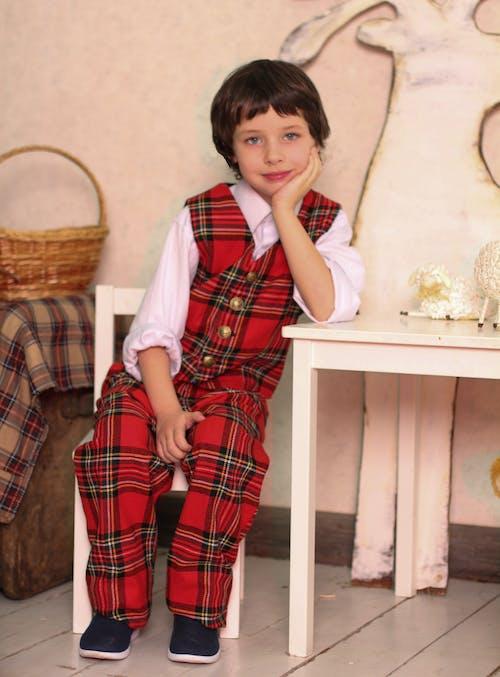 兒童, 可愛, 坐, 室內 的 免費圖庫相片