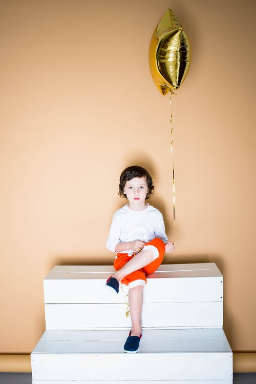 Безкоштовне стокове фото на тему «дитина, милий, персона, повітряна куля»