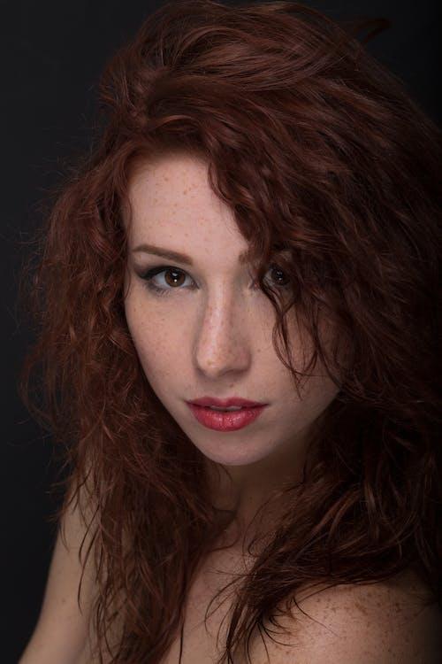 atraktif, bagus, berambut merah