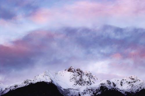 Бесплатное стоковое фото с вершина, высокий, горная вершина, горный пик
