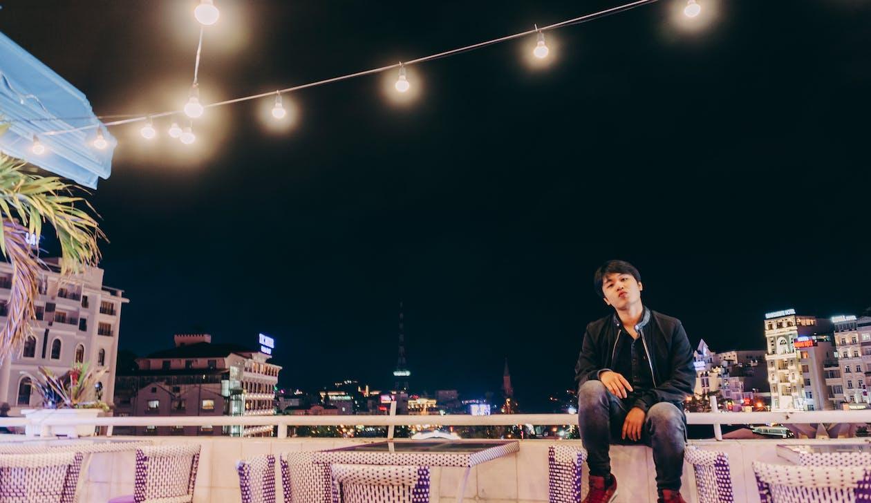 abend, asiatischer mann, beleuchtung