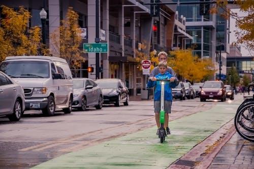 Fotos de stock gratuitas de al aire libre, calle, carretera, chavales