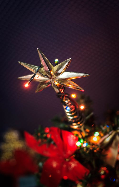 Beige Star Tree Topper With String Lights