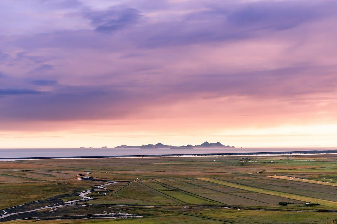 Island, vestmannaeyjar, západ slnka