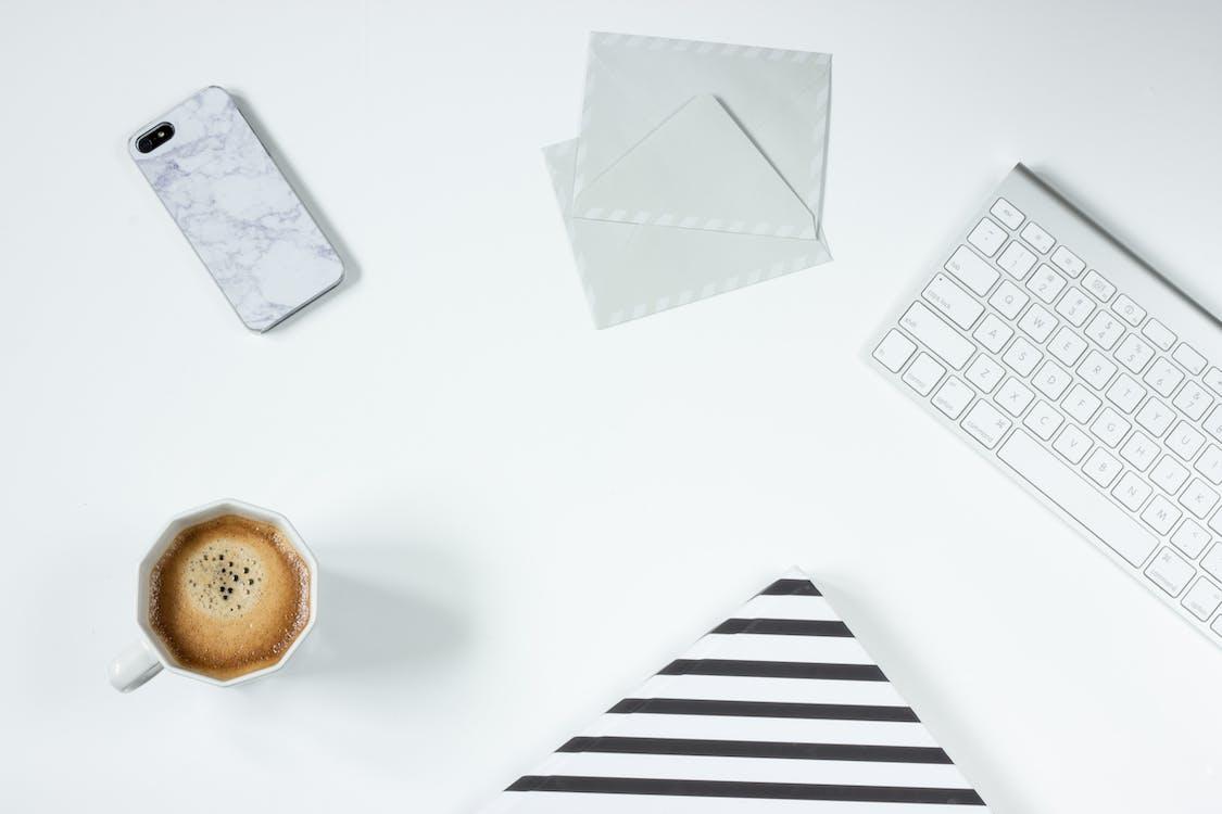 alma mágikus billentyűzet, asztal, billentyűzet