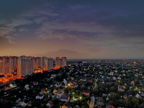 Gratis stockfoto met gebouw, nachtstad, nachtzicht, stadslampen