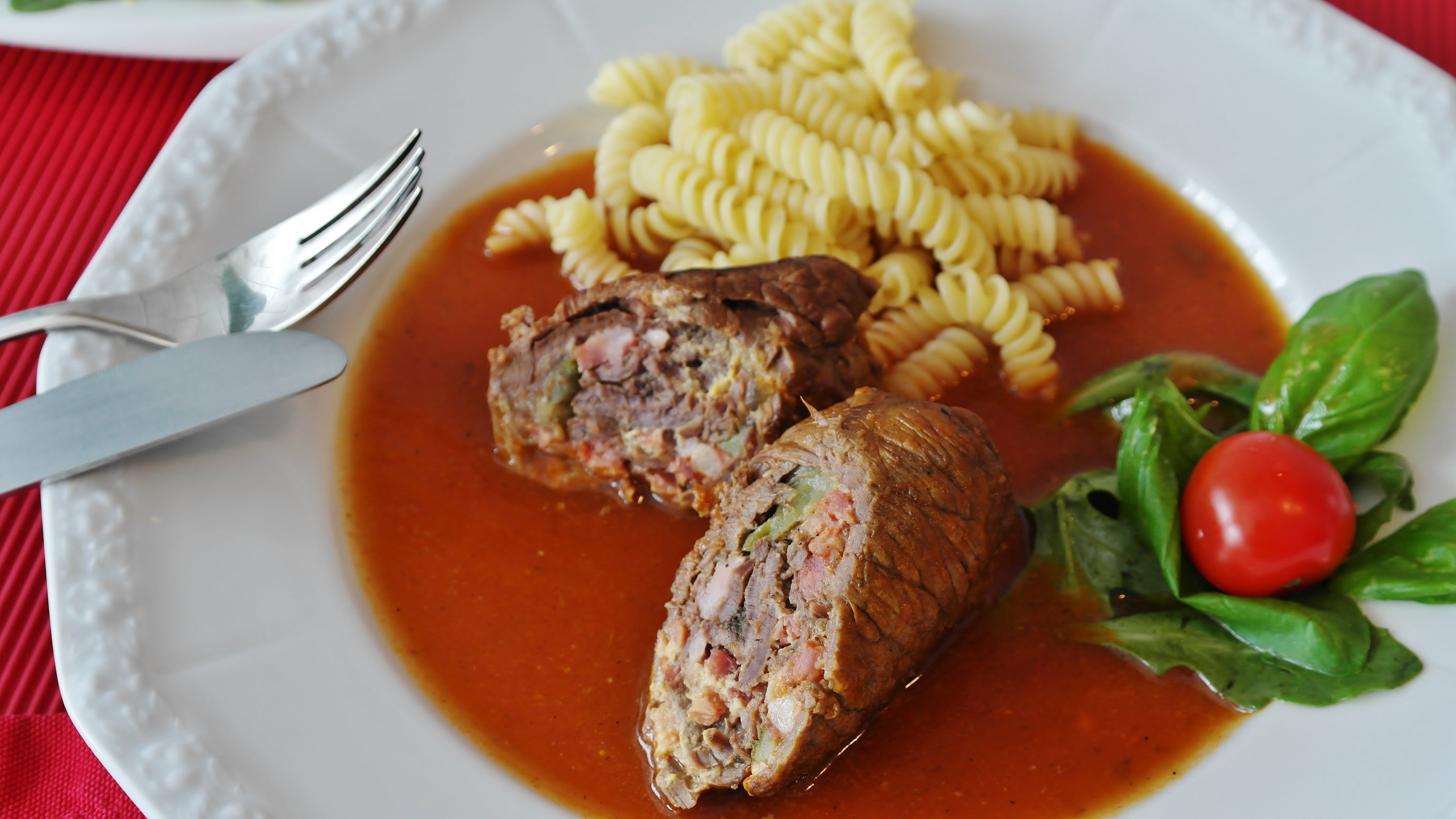 Meat and Pasta With Cherry Tomato Dish