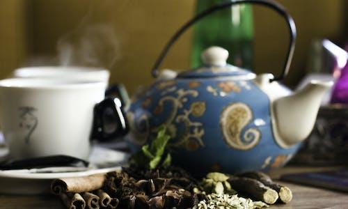 Çay, çaydanlık, içki, kafeterya içeren Ücretsiz stok fotoğraf