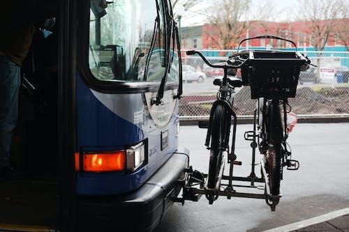 Imagine de stoc gratuită din biciclete biciclete rack de autobuze