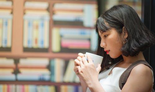 Kostenloses Stock Foto zu asiatische frau, asiatische person, attraktiv, bezaubernd