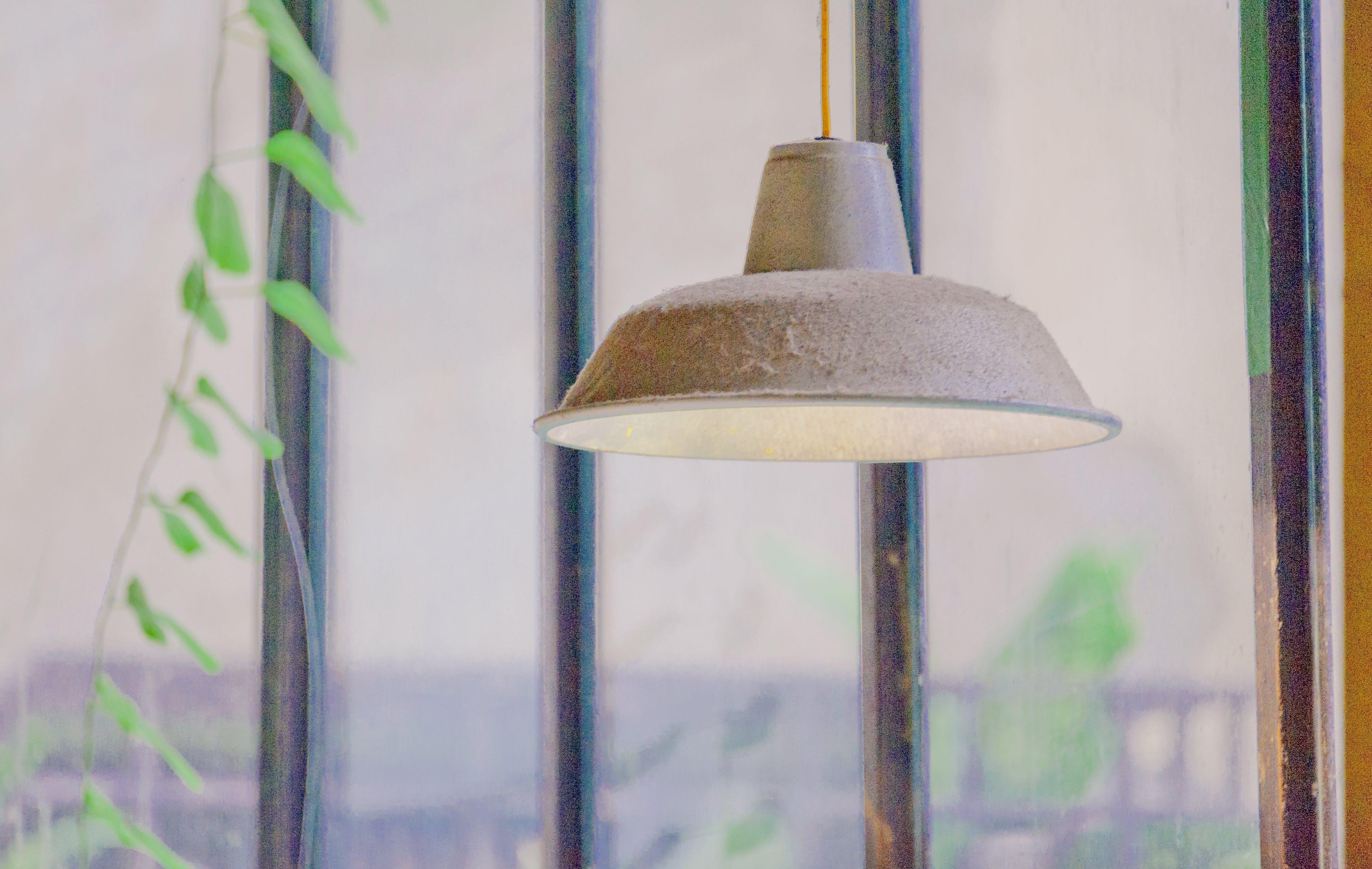 Foto profissional grátis de abajur, lâmpada de teto, leve, macro