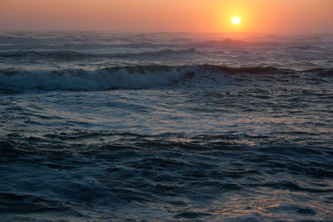 Schilderachtig Uitzicht Op De Oceaan Tijdens Zonsondergang