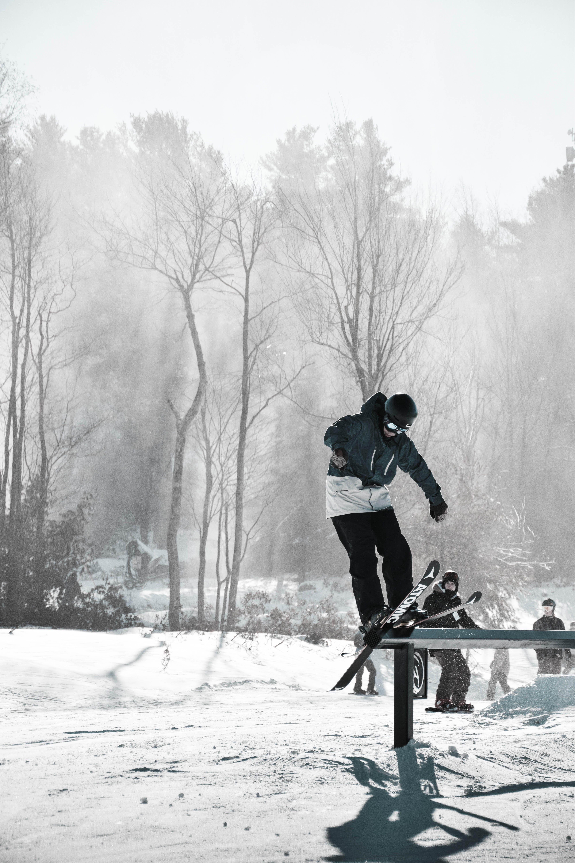 Δωρεάν στοκ φωτογραφιών με άθλημα, αθλητής, αθλητικός εξοπλισμός, άνδρας