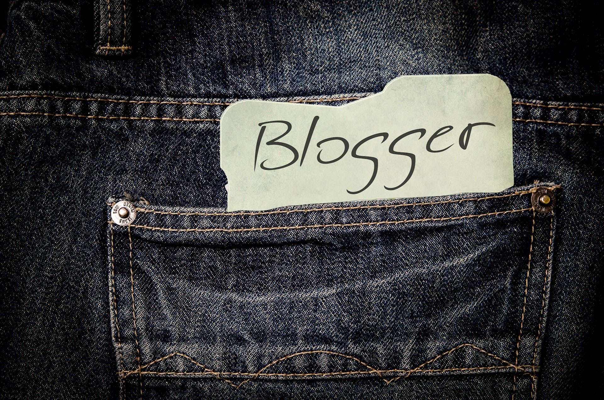 Základová fotografie zdarma na téma blogerka, denim, džíny, kalhoty