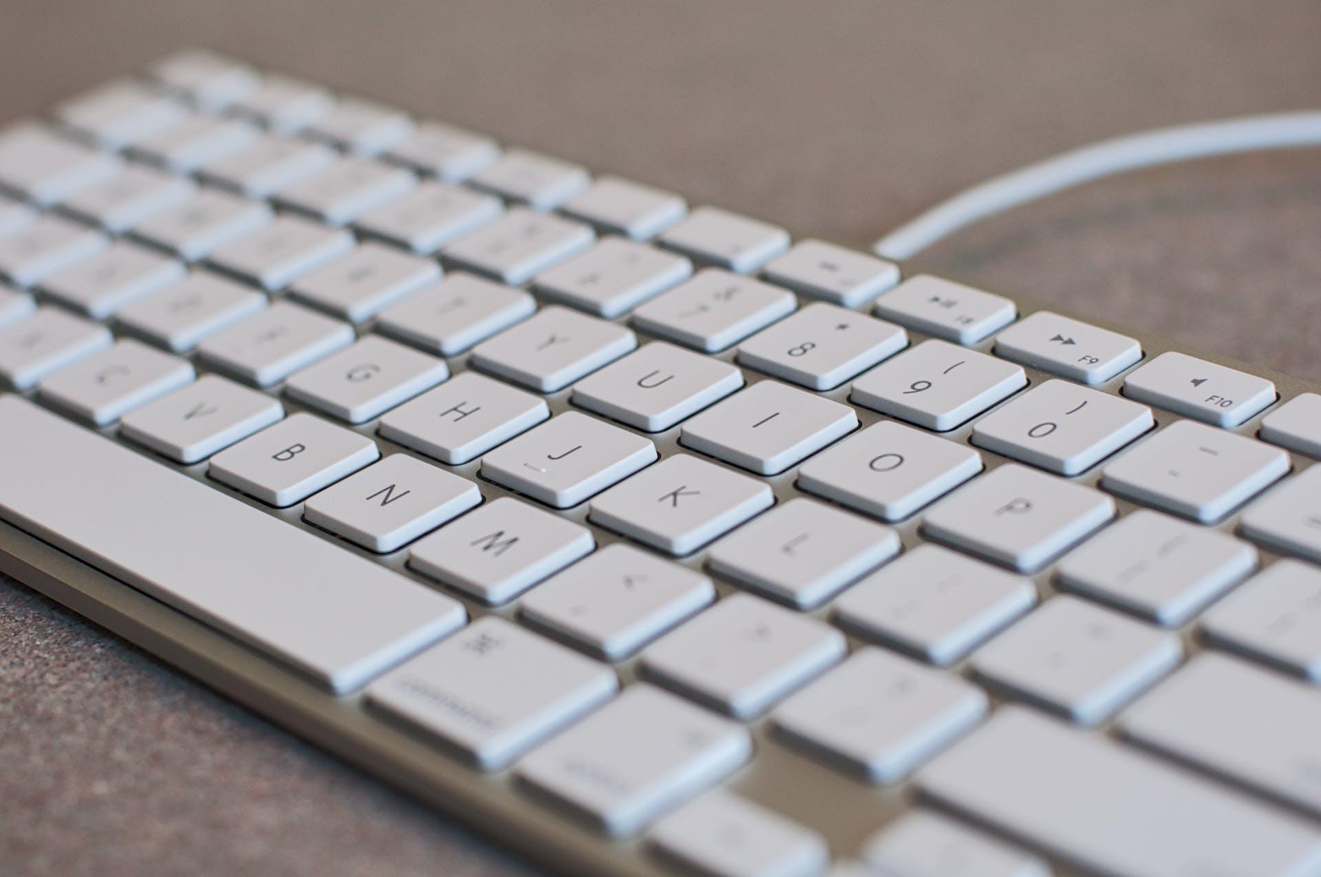 Kostenloses Stock Foto zu arbeit, ausrüstung, computer tastatur, daten