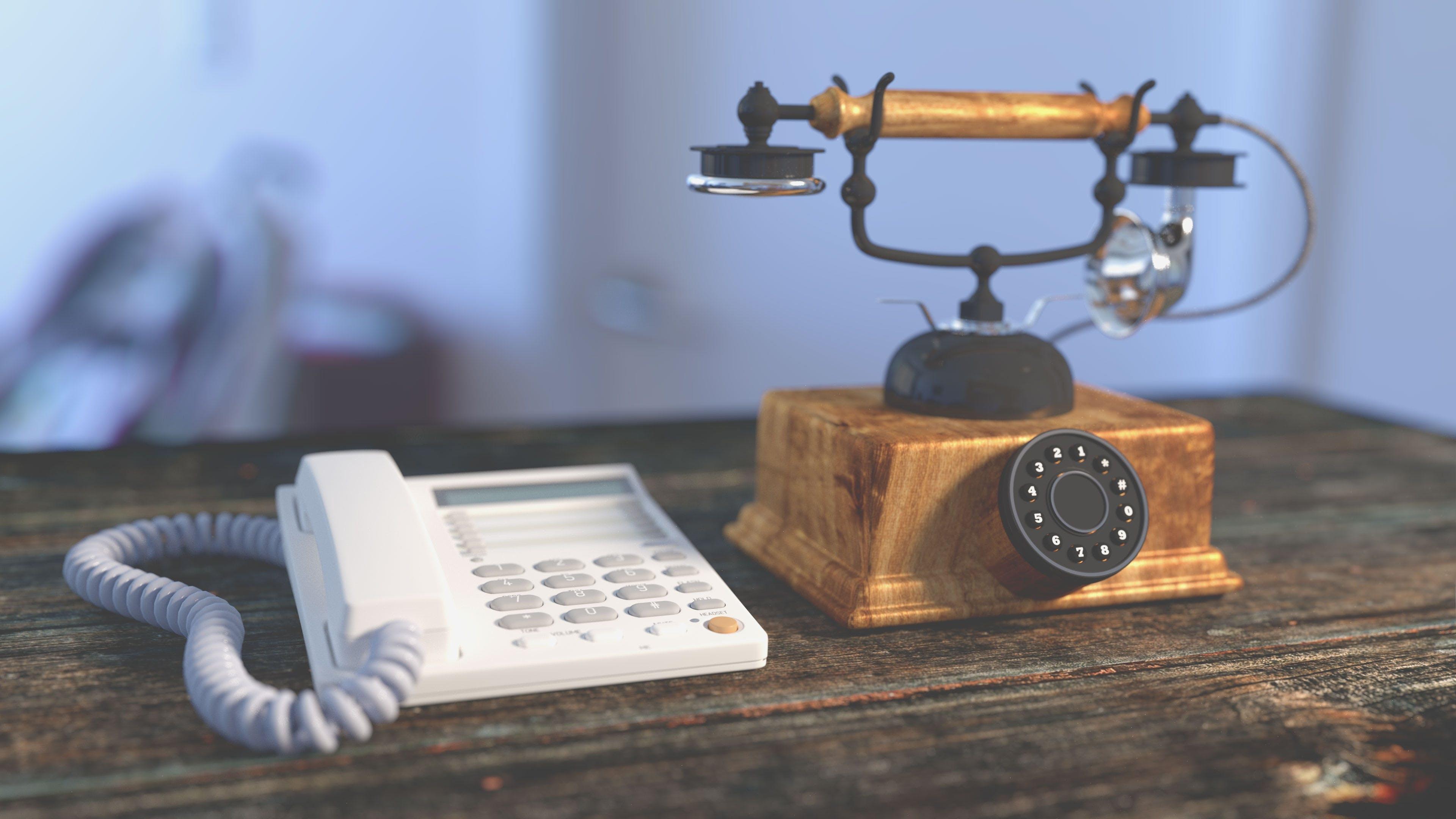 Darmowe zdjęcie z galerii z antyczny, biurko, komunikacja, staroświecki