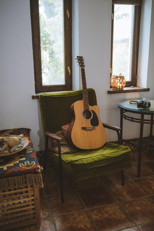 Ảnh lưu trữ miễn phí về các cửa sổ, cái ghế, nhạc cụ, nhạc cụ dây