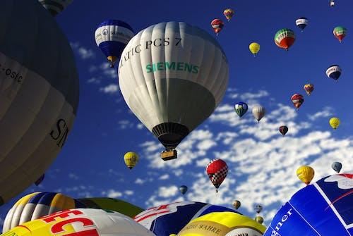Immagine gratuita di avventura, bruciatore, cieli blu, colorato