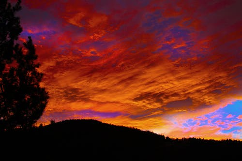 Foto profissional grátis de alvorecer, cênico, céu, montanha