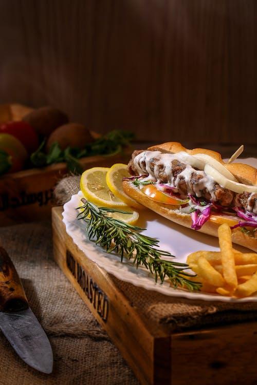 Gratis arkivbilde med brød, burger, delikat, kjøtt