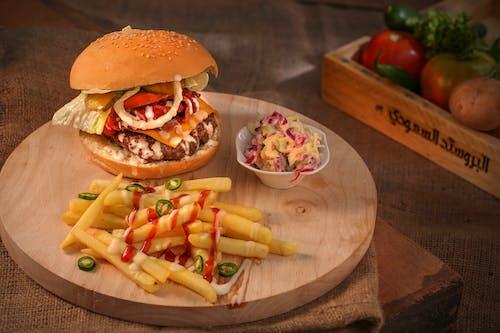 Foto stok gratis kentang goreng, roti lapis