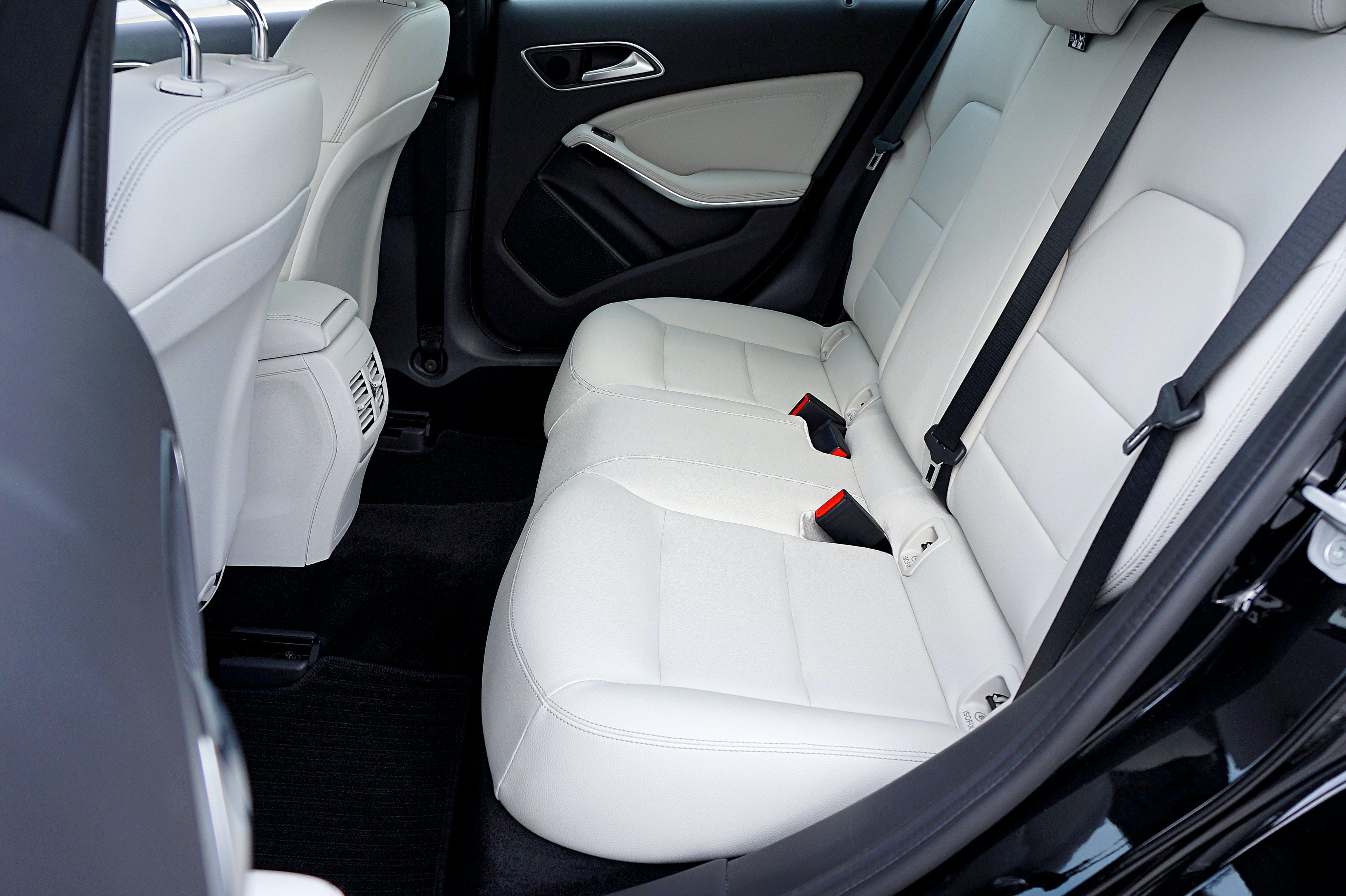 Kostenloses Stock Foto zu autoinnenraum, eine klasse, ledersitz, mercedes benz