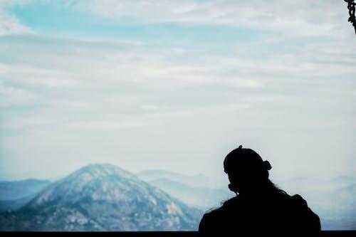 Foto d'estoc gratuïta de aventura, explorar, fons de pantalla, muntanya