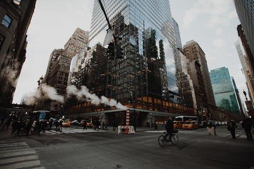 Photos gratuites de architecture, bâtiments, carrefour, centre-ville
