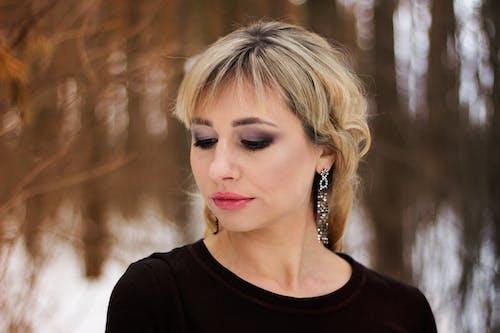 Gratis lagerfoto af ansigtsudtryk, blond hår, close-up, fotosession